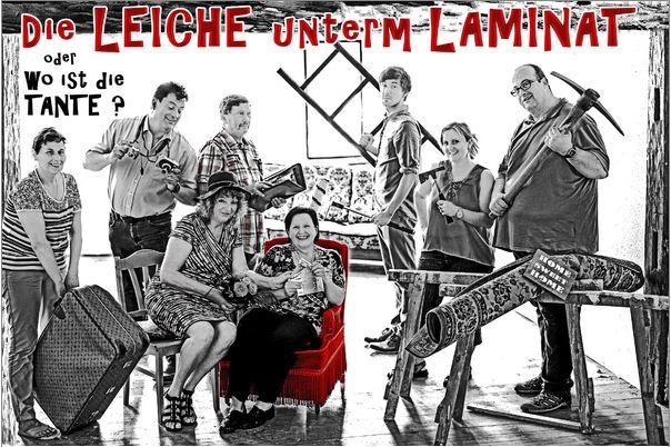 """Plakat des Volkstheaters Balingen zu """"Die Leiche unterm Laminat"""""""