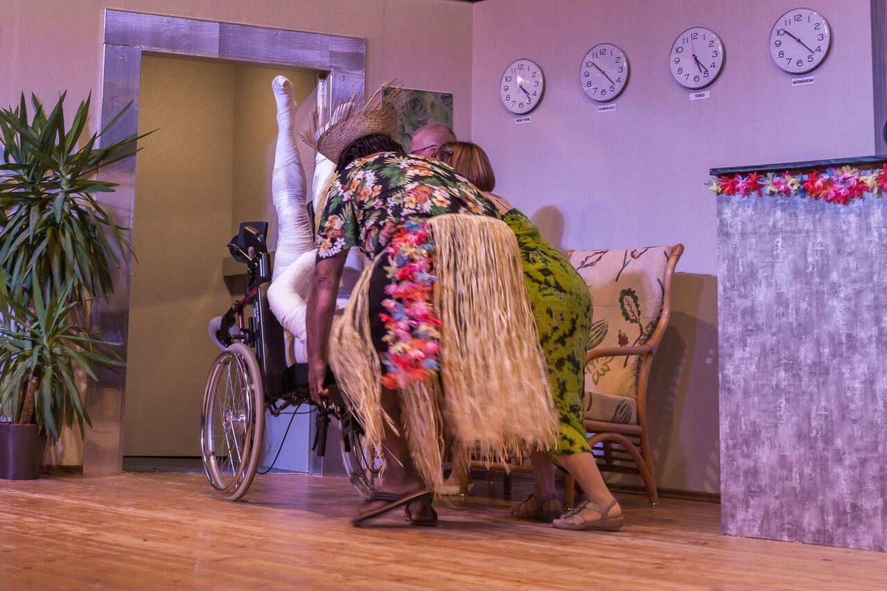 Dunselbuehnchen des Carneval Vereins Wonsheim, Fotograf Eric Immerheiser, Es gibt auch Berge auf Hawaii!